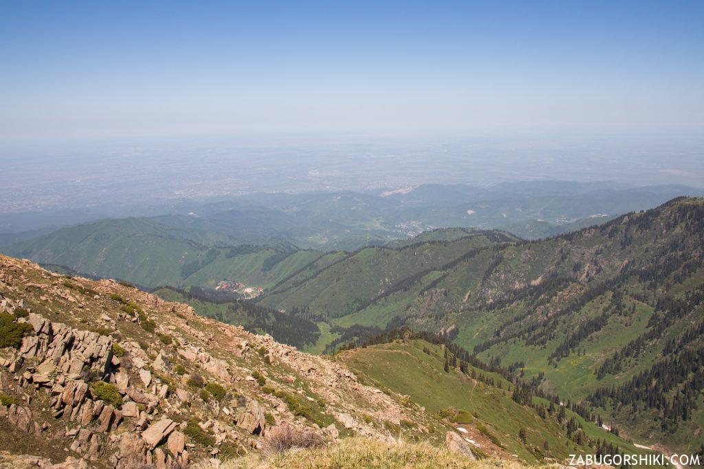 Панорама Алматы с гор