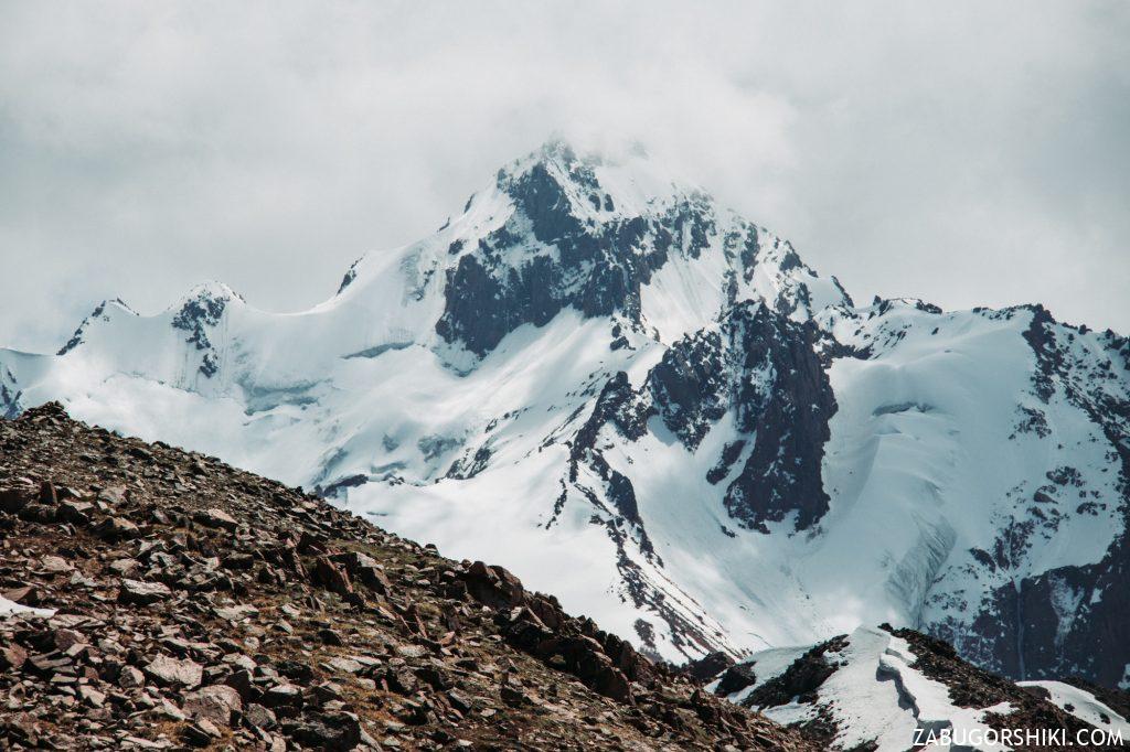 Пик Комсомол (сейчас Нурсултан). Высота 4,376м.